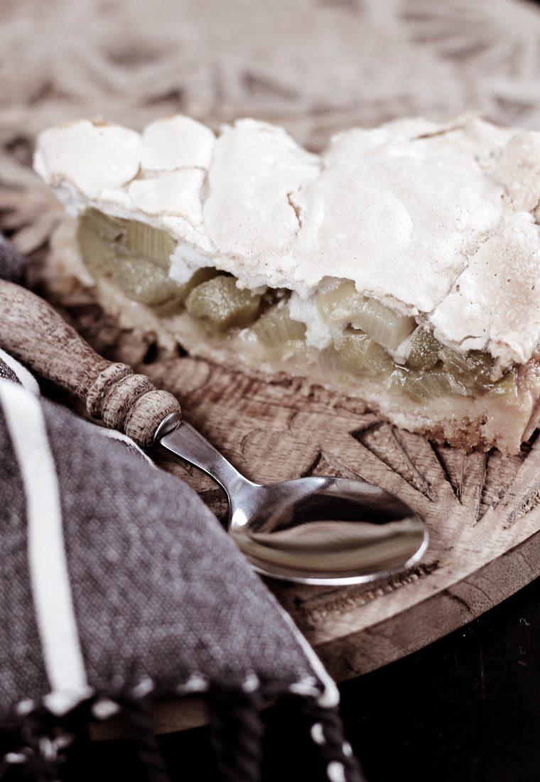 Rezept für frischen Rhabarberkuchen mit Baiserhaube