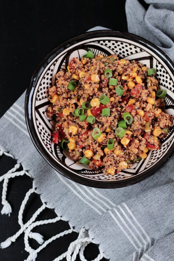 gesunde Ernährung, würziger Quinoa-Salat, Quinoasalat, Rezept