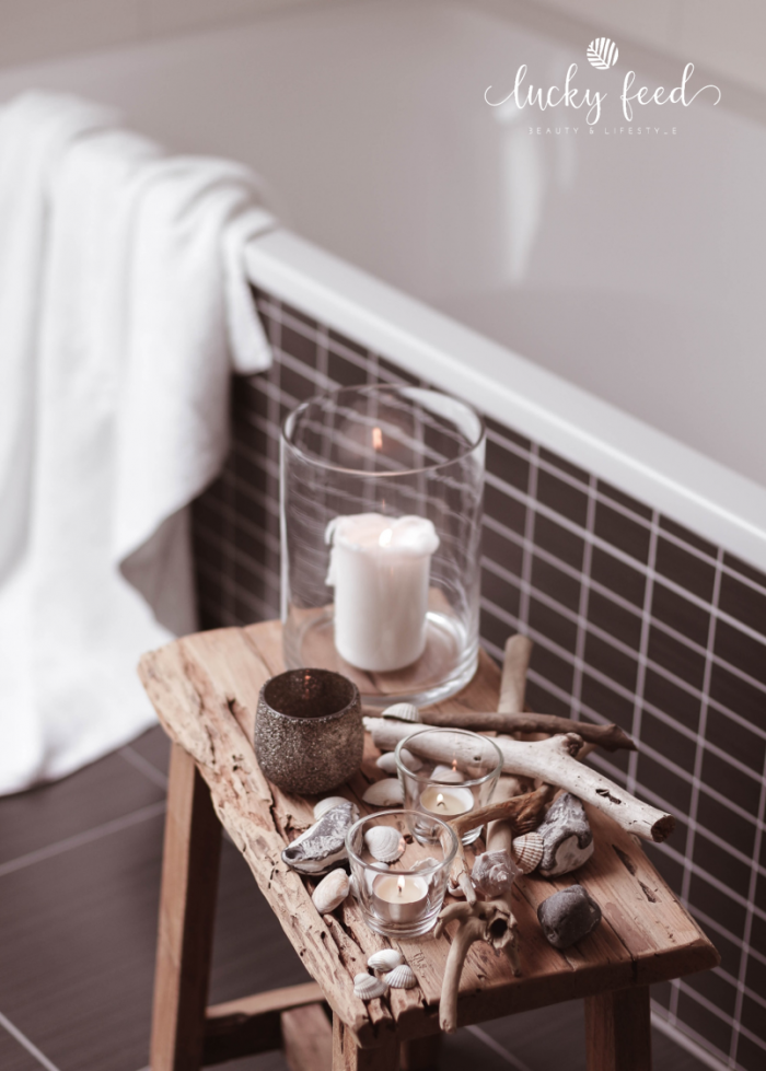 baden mit natürlichen Zusätzen, maritime Deko, Badezimmer, Badezimmer Deko, Bad mit Sahne und Honig, Wellness, Wellnessanwendung, baden