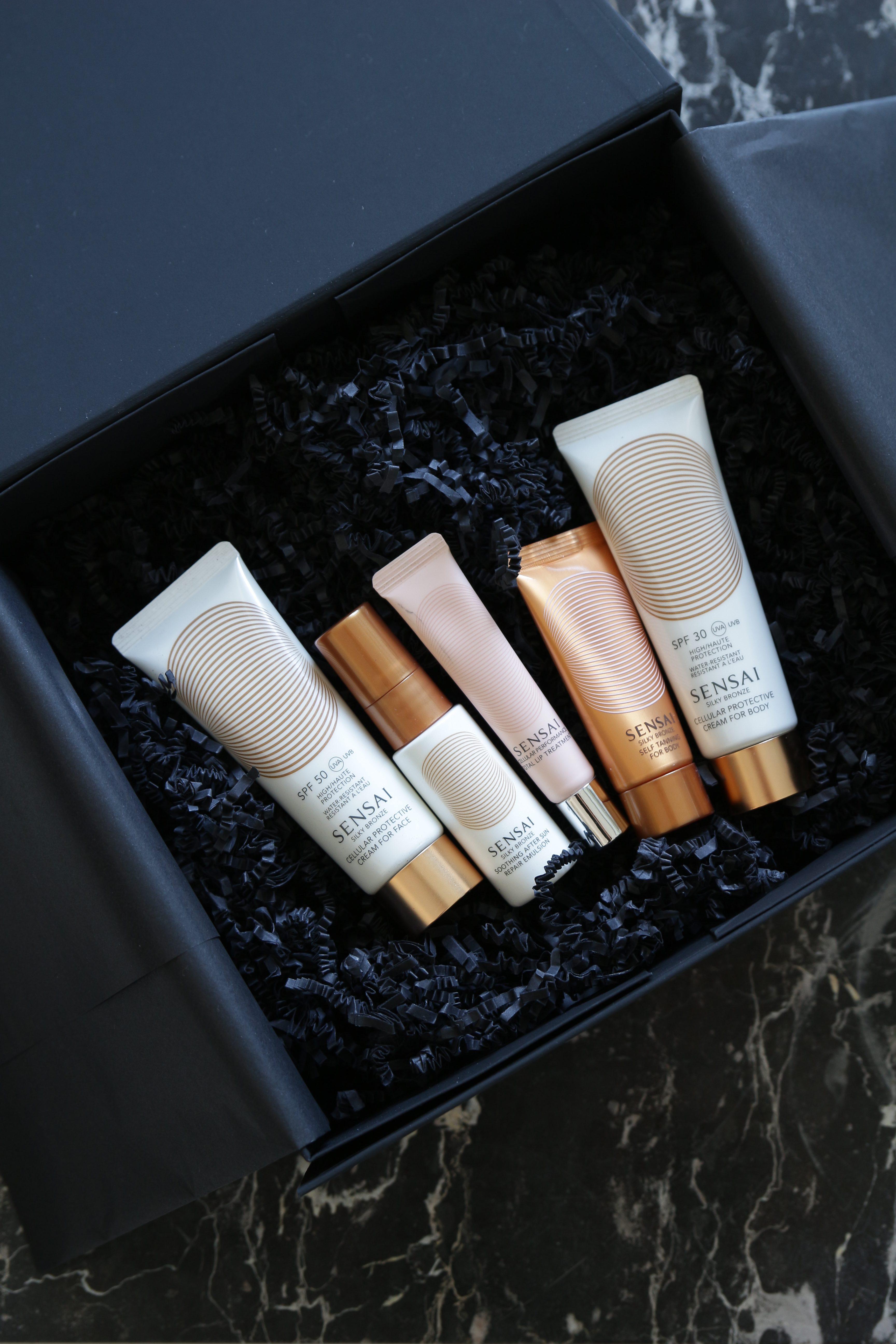 Sommerbox mit Produkten von SENSAI
