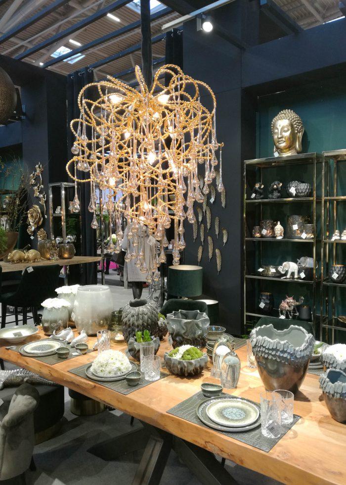 trendset 2020, wohntrends 2020, einrichtungstrends 2020, schöner wohnen, leuchter, kristall leuchter, kristall lüster, design lampe